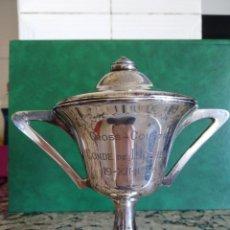 Antigüedades: MARAVILLOSO TROFEO COPA CROSS COUNTRY CONDE DE LLOBREGAT 1926 PLATA DE LEY CON CONTRASTE. Lote 166369110