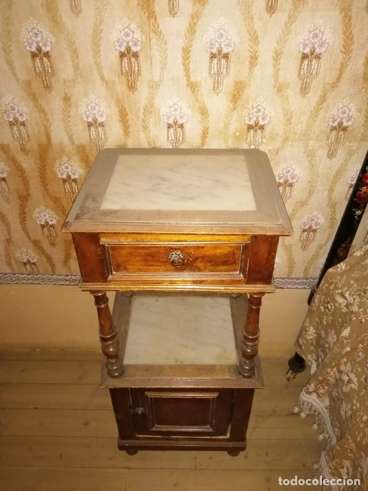 MESILLA DE NOCHE ANTIGUA (Antigüedades - Muebles Antiguos - Ménsulas Antiguas)