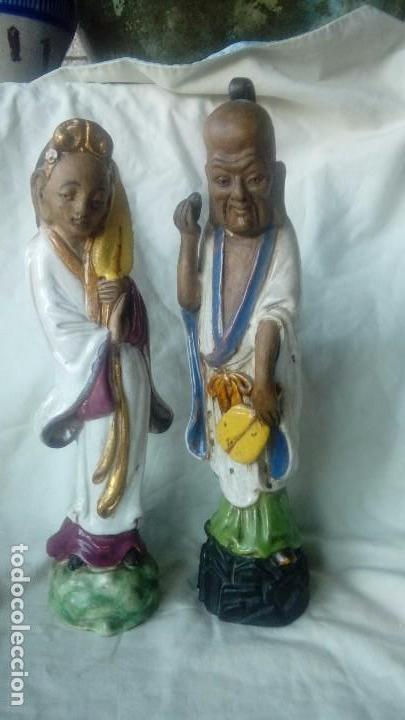 PAREJA DE FIGURAS CHINAS DE CERAMICA VIDRIADA (Antigüedades - Porcelanas y Cerámicas - China)