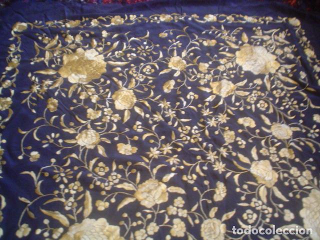 Antigüedades: precioso Manton antiguo de Manila en seda natural bordado España. Medida 207 por 207 cm - Foto 2 - 166455849
