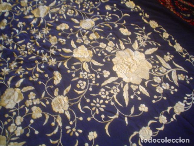 Antigüedades: precioso Manton antiguo de Manila en seda natural bordado España. Medida 207 por 207 cm - Foto 3 - 166455849
