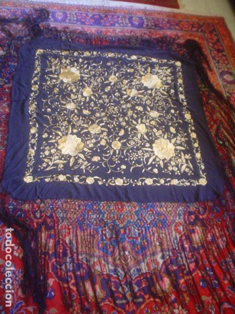 Antigüedades: precioso Manton antiguo de Manila en seda natural bordado España. Medida 207 por 207 cm - Foto 6 - 166455849