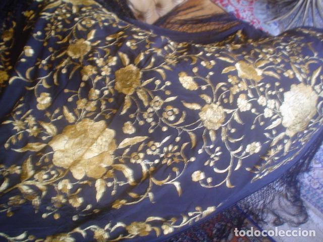 Antigüedades: precioso Manton antiguo de Manila en seda natural bordado España. Medida 207 por 207 cm - Foto 7 - 166455849