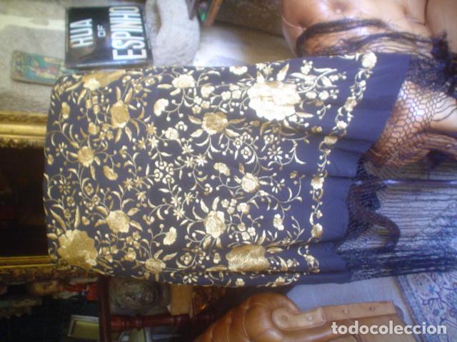 Antigüedades: precioso Manton antiguo de Manila en seda natural bordado España. Medida 207 por 207 cm - Foto 12 - 166455849