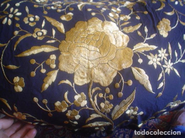 Antigüedades: precioso Manton antiguo de Manila en seda natural bordado España. Medida 207 por 207 cm - Foto 13 - 166455849