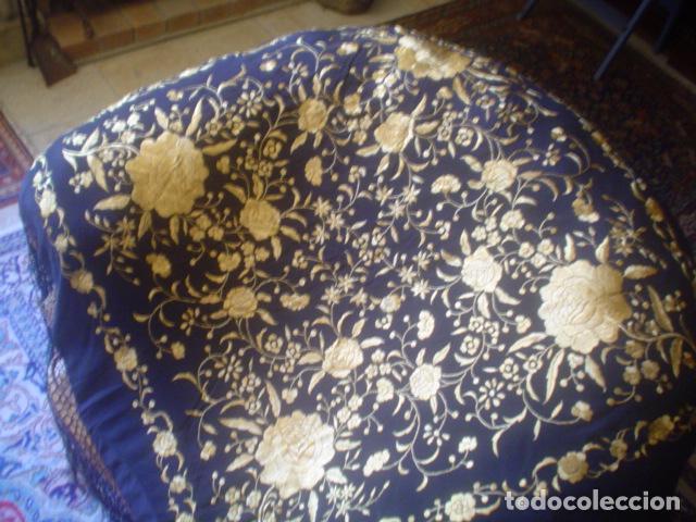 Antigüedades: precioso Manton antiguo de Manila en seda natural bordado España. Medida 207 por 207 cm - Foto 14 - 166455849
