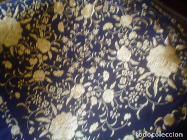 Antigüedades: precioso Manton antiguo de Manila en seda natural bordado España. Medida 207 por 207 cm - Foto 17 - 166455849