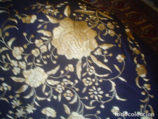Antigüedades: precioso Manton antiguo de Manila en seda natural bordado España. Medida 207 por 207 cm - Foto 18 - 166455849
