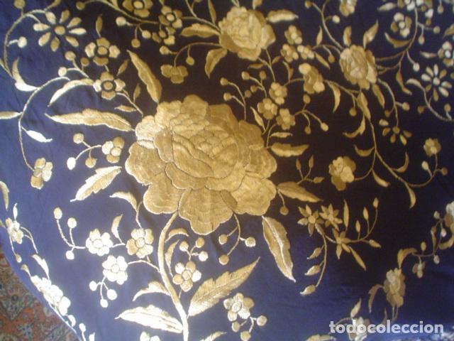 Antigüedades: precioso Manton antiguo de Manila en seda natural bordado España. Medida 207 por 207 cm - Foto 19 - 166455849