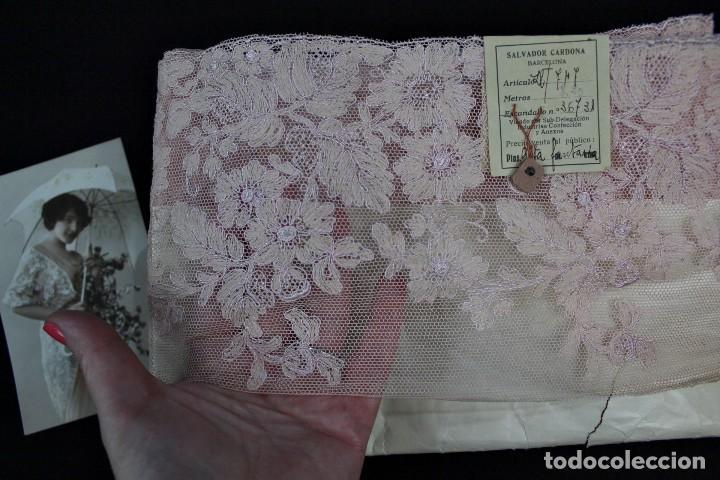 Antigüedades: 59A Encaje antiguo sin estrenar, Pps s XX 8 metros rosa empolvado - Foto 2 - 166497362