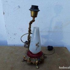 Antigüedades: LAMPARAS DE MESILLA DE BRONCE. Lote 166504438