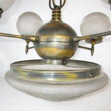 Antigüedades: ENORME LAMPARA ART DECO LATON Y CRISTAL PRENSADO CIRCA 1900. Lote 166520638