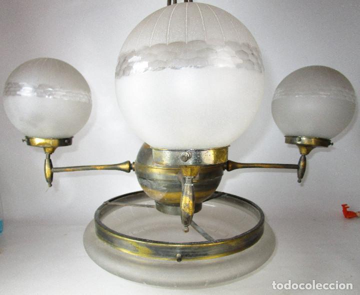 Antigüedades: ENORME LAMPARA ART DECO LATON Y CRISTAL PRENSADO CIRCA 1900 - Foto 10 - 166520638