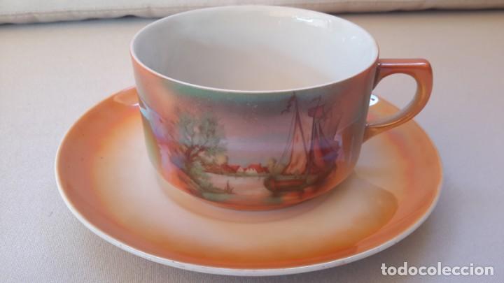Antigüedades: Juego de tazas y platos con expositor de mimbre - Foto 3 - 166521614