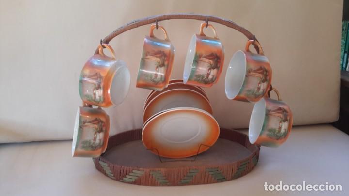 Antigüedades: Juego de tazas y platos con expositor de mimbre - Foto 5 - 166521614