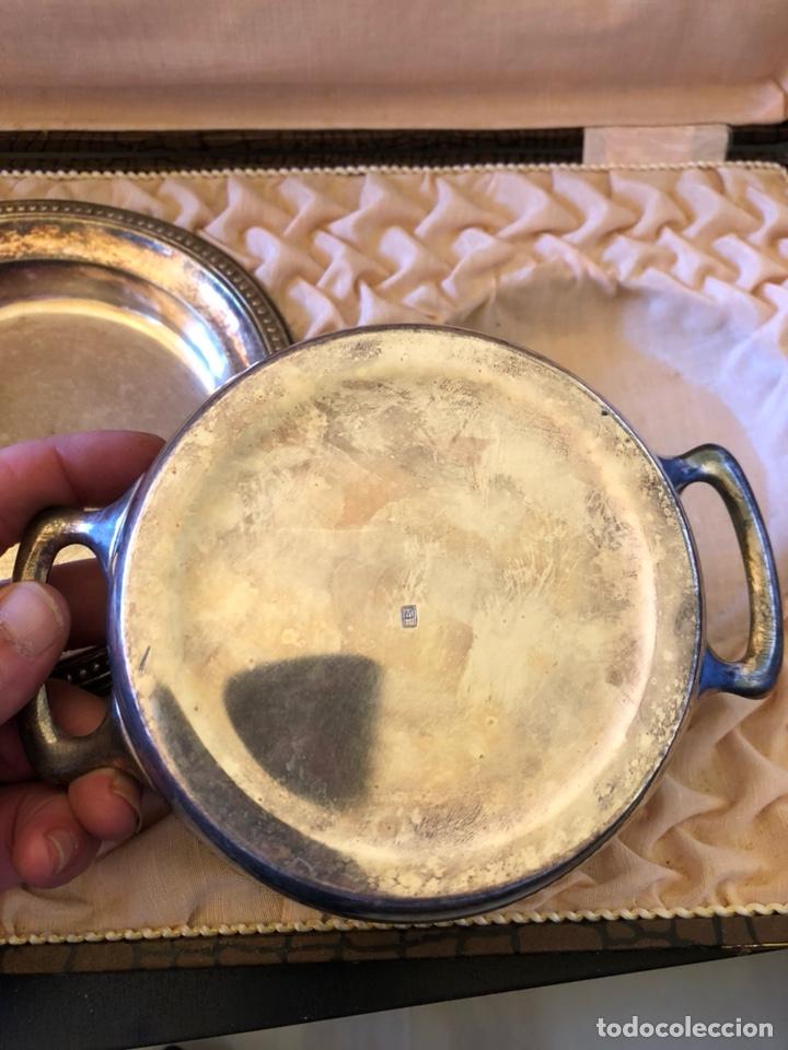Antigüedades: Bonito cuenco y plato para niño en alpaca plateada, con su estuche, siglo XIX - Foto 5 - 166551501