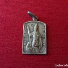 Antigüedades: MADRID. PARROQUIA DE EL SALVADOR Y SAN NICOLAS DE BARI. ANTIGUA MEDALLITA. 3,74 GRMS.. Lote 166556446