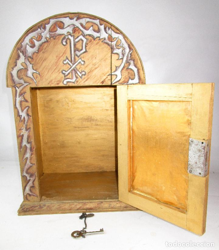 Antigüedades: SAGRARIO ANTIGUO MADERA DORADA Y POLICROMADO, IDEAL CALIZ CUSTODIA O ARTICULOS RELIGIOSOS CAPILLAS - Foto 4 - 166586162