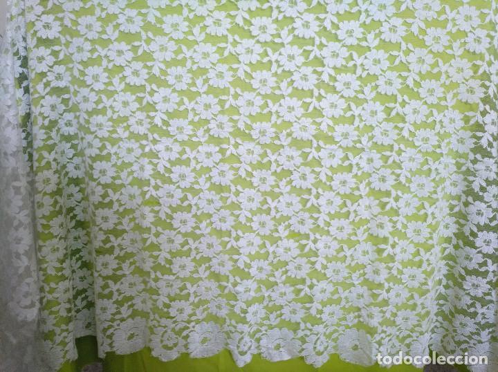 Antigüedades: Mantila blanca motivos florales - Foto 6 - 203904601