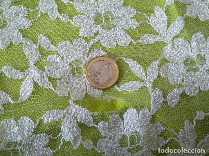Antigüedades: Mantila blanca motivos florales - Foto 11 - 203904601