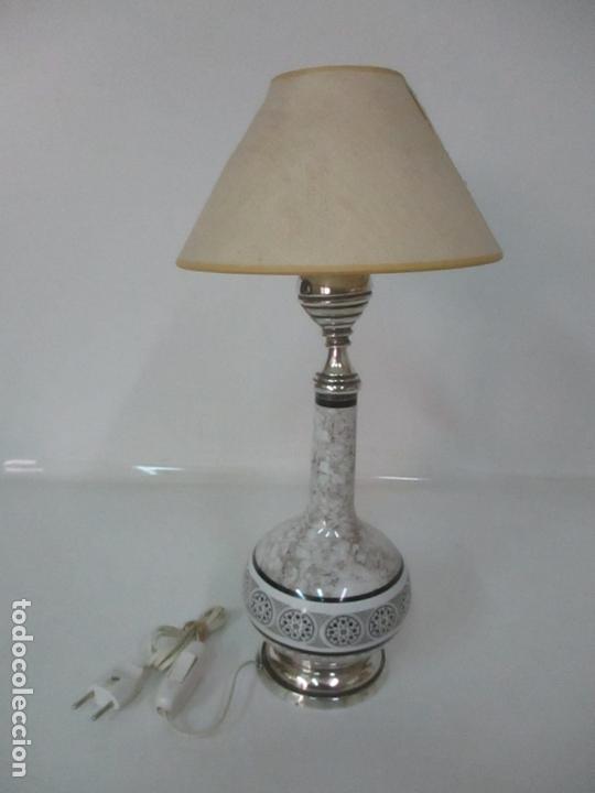 LÁMPARA DE SOBREMESA - PLATA DE LEY, CON CONTRASTES - SELLO BAGUES - CERÁMICA - AÑOS 50 (Antigüedades - Iluminación - Lámparas Antiguas)