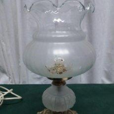 Antigüedades: QUINQUÉ SOBREMESA CRISTAL. Lote 166636986