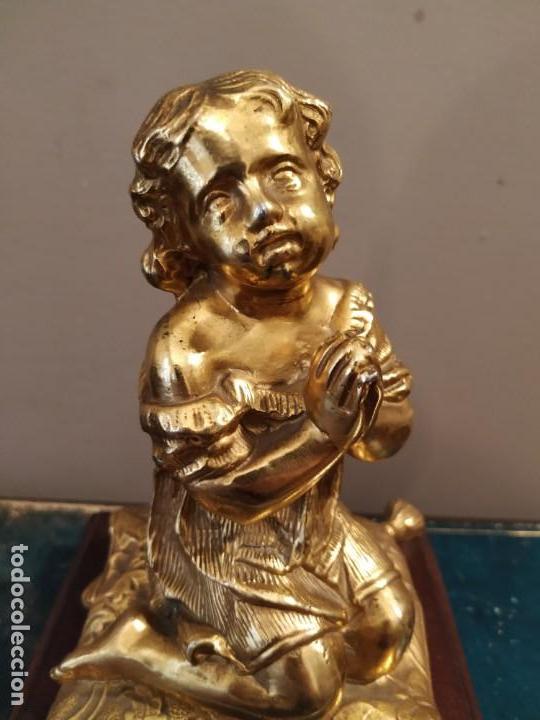 Antigüedades: NIÑA ORANDO REZANDO METAL DORADO Y BASE MADERA - Foto 3 - 166665642