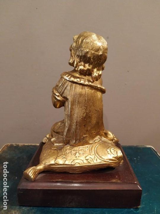Antigüedades: NIÑA ORANDO REZANDO METAL DORADO Y BASE MADERA - Foto 5 - 166665642