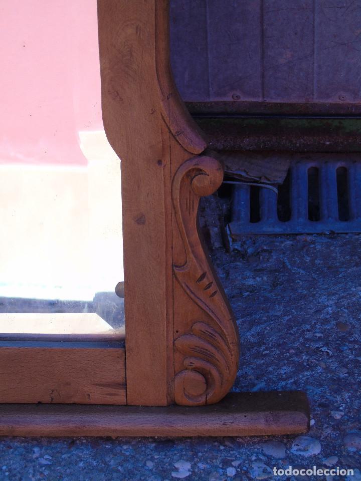 Antigüedades: ANTIGUO GRAN ESPEJO. MADERA DE HAYA. BISELADO. RESTAURADO - Foto 3 - 166749734