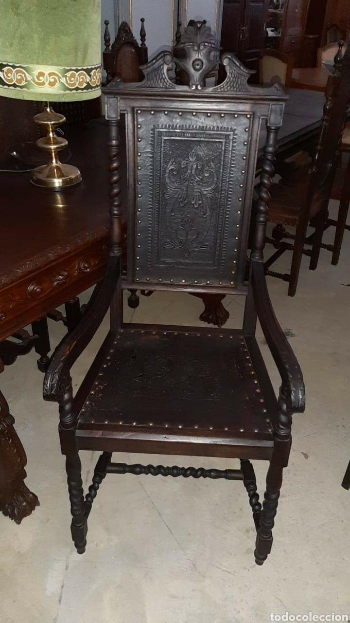 SILLON DE DESPACHO. CUERO REPUJADO (Antigüedades - Muebles Antiguos - Sillones Antiguos)