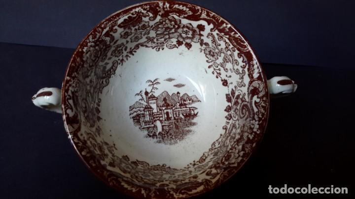 Antigüedades: Antiguo Juego de tazas y platos de consomé de porcelana la cartuja de Sevilla Pickman - Foto 6 - 166770006