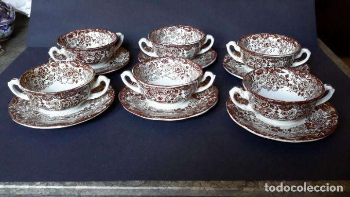 Antigüedades: Antiguo Juego de tazas y platos de consomé de porcelana la cartuja de Sevilla Pickman - Foto 7 - 166770006