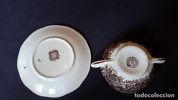 Antigüedades: Antiguo Juego de tazas y platos de consomé de porcelana la cartuja de Sevilla Pickman - Foto 9 - 166770006