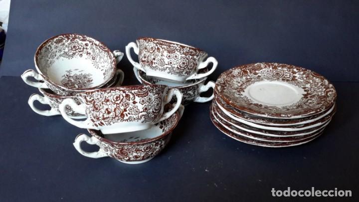 Antigüedades: Antiguo Juego de tazas y platos de consomé de porcelana la cartuja de Sevilla Pickman - Foto 12 - 166770006