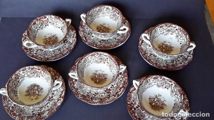 Antigüedades: Antiguo Juego de tazas y platos de consomé de porcelana la cartuja de Sevilla Pickman - Foto 2 - 166770006