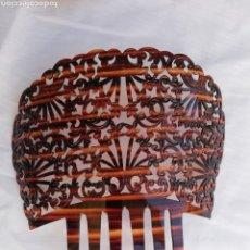Antigüedades: GRAN PEINETA ANTIGUA ESPAÑOLA EN SIMIL CAREY.. Lote 166786528