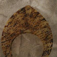 Antigüedades: ANTIGUA PEINETA DIADEMA SIMIL CAREY. Lote 166797069
