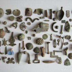 Antigüedades: COLECCIÓN DE METALES ANTIGUOS.ÉPOCA MEDIEVAL-POST-MEDIEVAL Y OTRAS.CUCHARA VASIJAS ADORNO PISTOLA.L2. Lote 166808334