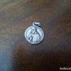 Antigüedades: MEDALLA RELICARIO DEL BEATO VALENTÍN DE BERRIOOCHOA.. Lote 166811410
