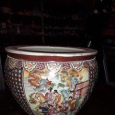 Antigüedades: MACETERO DECORADO CON MOTIVOS JAPONESES. Lote 166818308
