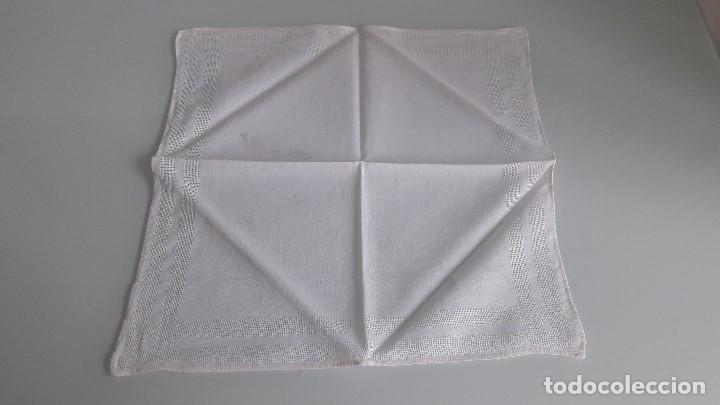 Antigüedades: ANTIGUO PAÑUELO DE BOLSILLO - Color blanco - Con bordes de vainica - Foto 2 - 166841994