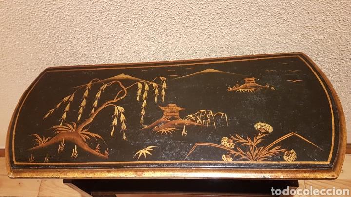 Antigüedades: REVISTERO / MUEBLE PARA REVISTAS LACADO NEGRO PINTADO A MANO POSIBLEMENTE CHINO DE PRINC. S. XX - Foto 15 - 166852309
