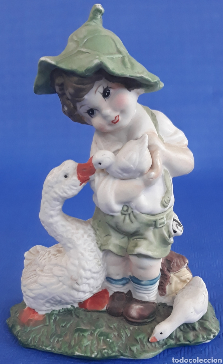 CERÁMICA FIGURA NIÑO CON GANSOS (Antigüedades - Hogar y Decoración - Figuras Antiguas)