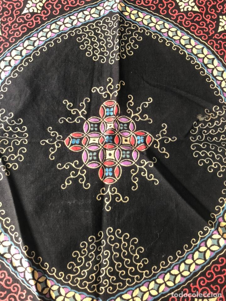Antigüedades: Antiguo pañuelo regional estampado siglo XIX - Foto 2 - 166901805