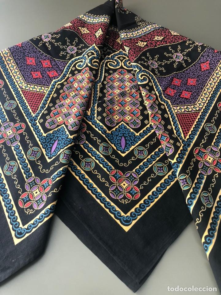 Antigüedades: Antiguo pañuelo regional estampado siglo XIX - Foto 8 - 166901805