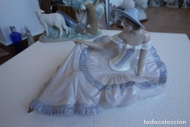 FIGURA DE PORCELANA DE NAO BY LLADRO. (Antigüedades - Porcelanas y Cerámicas - Lladró)