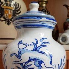 Antigüedades: SALERO ANTIGUO DE TALAVERA SELLADO EN LA BASE. Lote 166958044