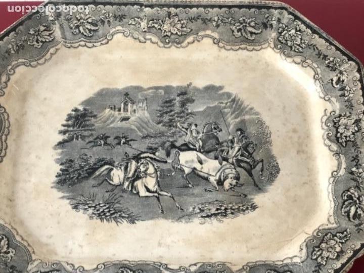Antigüedades: FUENTE DE CARTAGENA. FABRICA DE LA AMISTAD. ESCENA CAZA DEL TORO. FINALES DEL S. XIX. - Foto 2 - 166986488