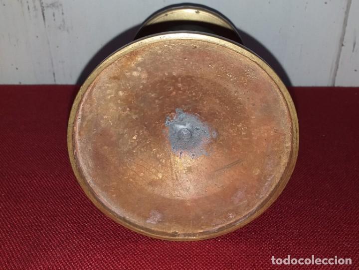 Antigüedades: CANDELABRO DE ALTAR DE BRONCE SIGLO XIX - Foto 5 - 167025052
