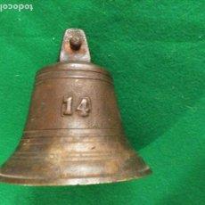 Antiquités: ANTIGUA CAMPANA SIGLO XIX CON EL Nº 14 450 GM DE PESO 11 ALTURA X 10 CM DIAMETRO BASE PATINA . Lote 167040064